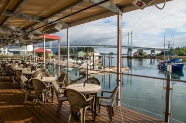 dock-shack-sitka-alaska-dining7