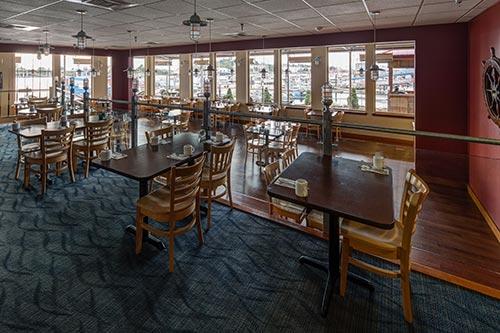 Totem Square Hotel Restaurant Lounge