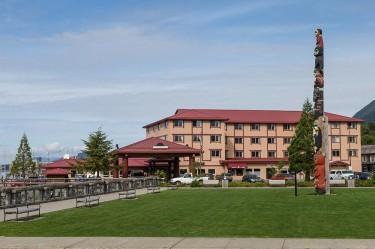 totem-square-sitka-alaska-hotel1